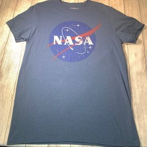 "💎 4/$20 Young men's FifthSun ""NASA"" T-shirt"